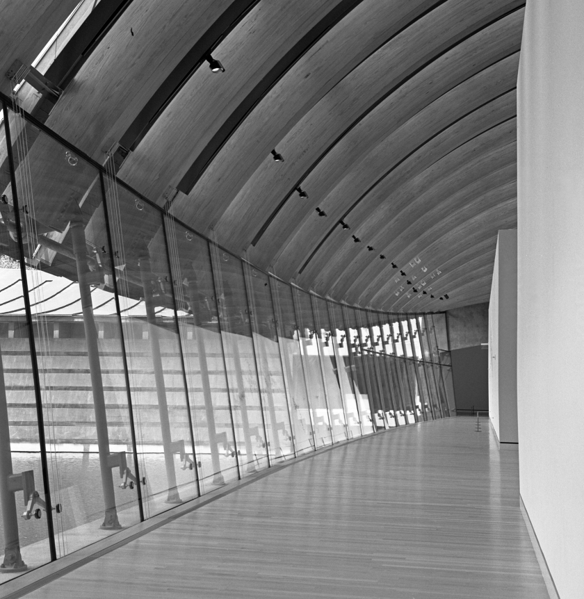 crystal-bridges-empty-gallery